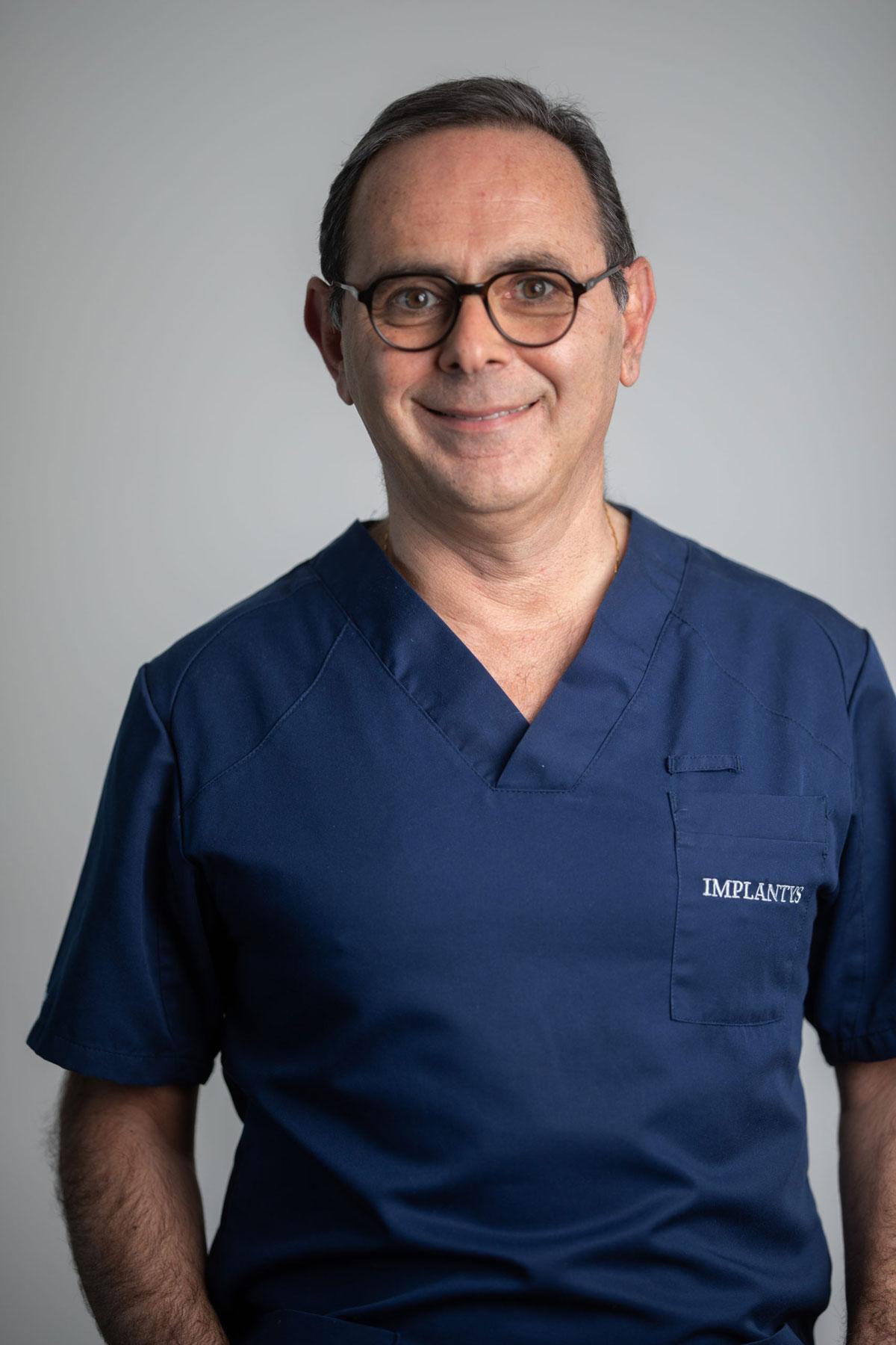 Dr Harmik Minassian dentiste implantologue